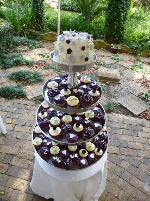 small-tier-with-cupcakes