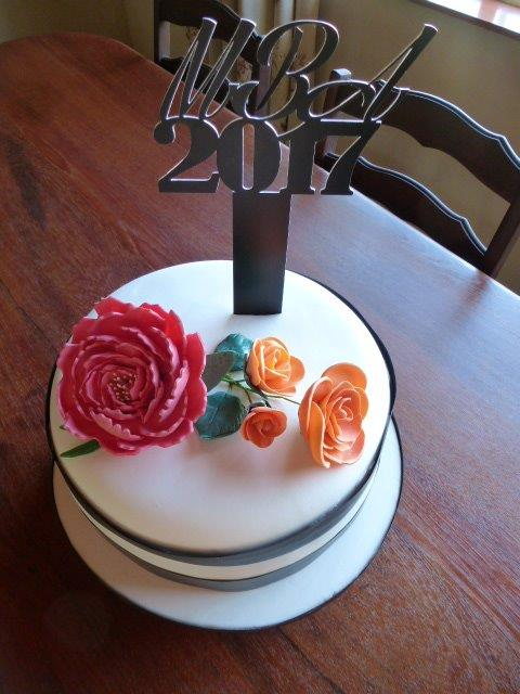 celebration-cake-with-edible-flowers-
