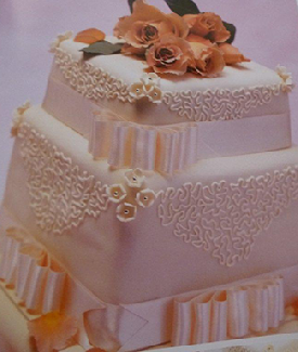 ribbons-and-roses-wedding-cake-