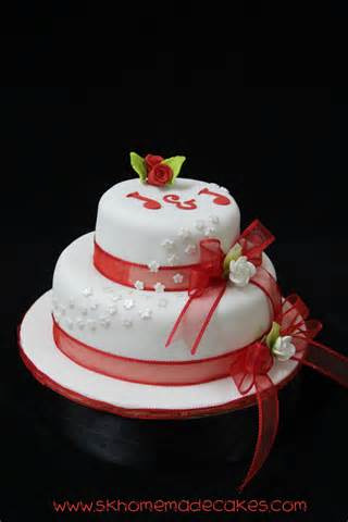 red-and-white-wedding-cake