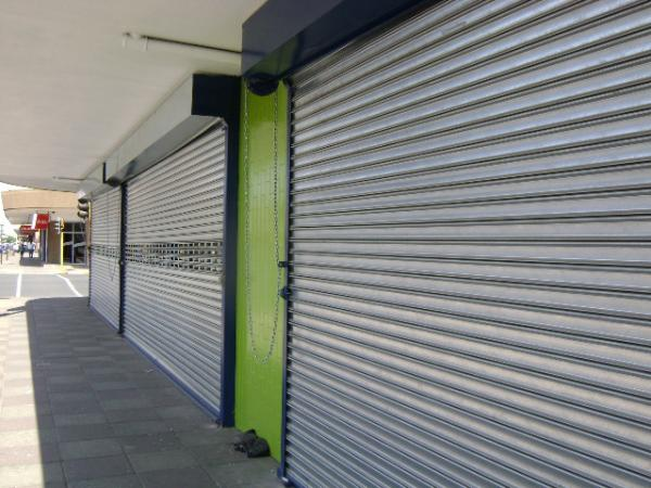 Acoustic Roll Up Doors : Residential commercial